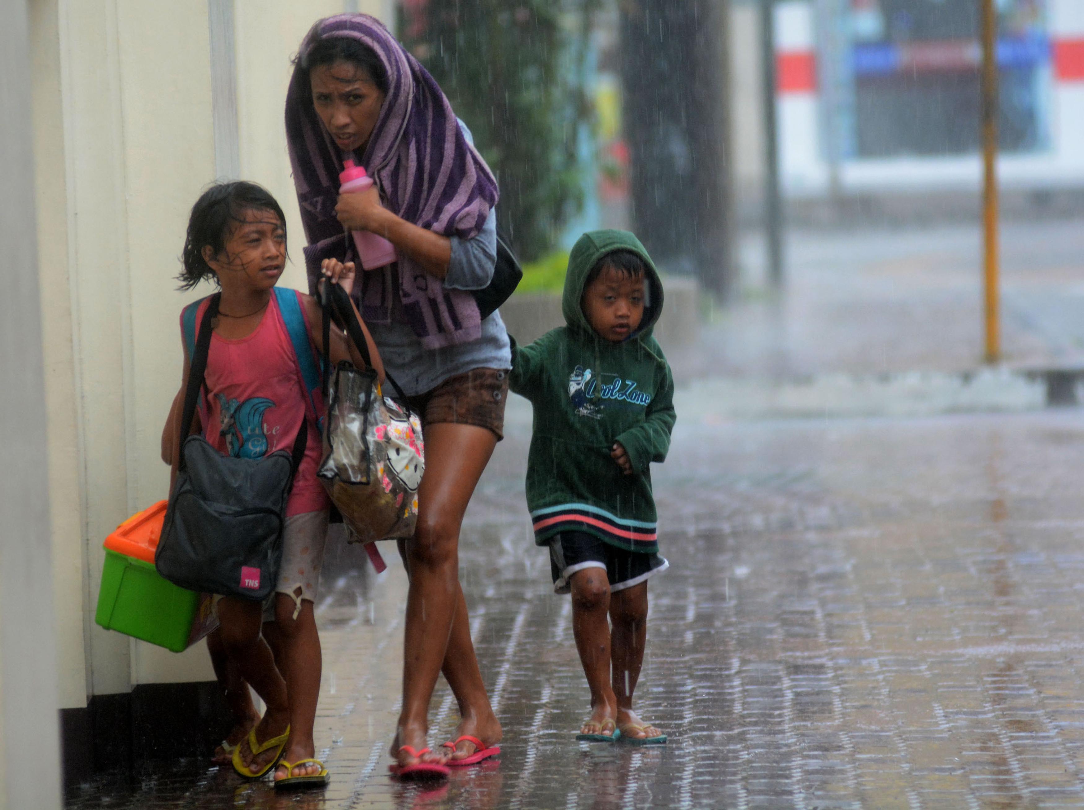 Support Typhoon Haiyan Relief